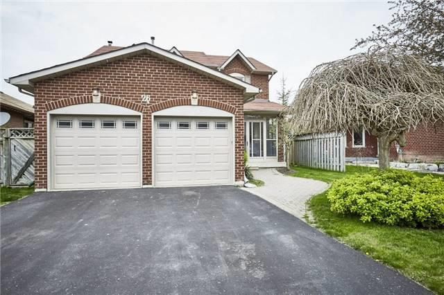 Detached at 26 Walker Cres, Ajax, Ontario. Image 10