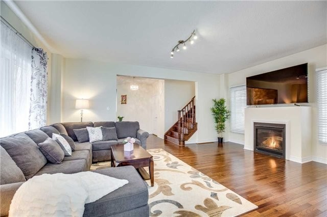 Detached at 1571 Dusty Dr, Pickering, Ontario. Image 15