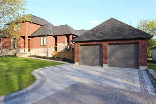 Detached at 46 Queen St, Whitby, Ontario. Image 13