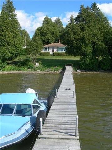 Cottage at 8 Bayview Cres, Scugog, Ontario. Image 17