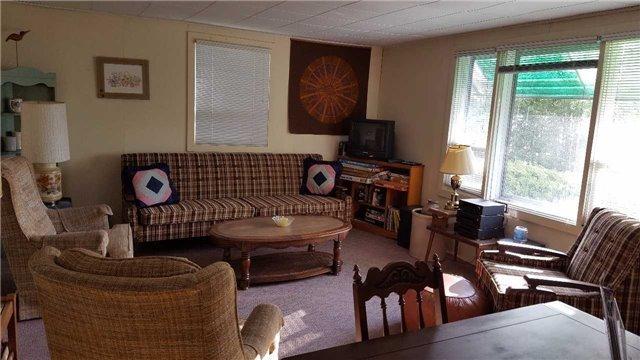 Cottage at 8 Bayview Cres, Scugog, Ontario. Image 2