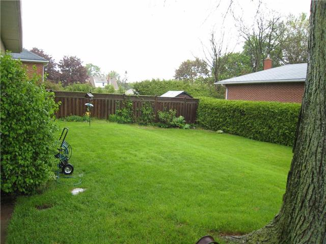 Detached at 1053 Somerville St, Oshawa, Ontario. Image 7