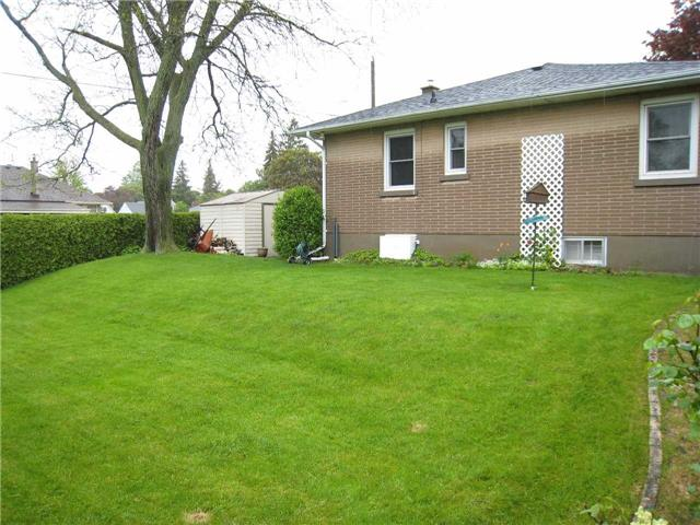 Detached at 1053 Somerville St, Oshawa, Ontario. Image 8