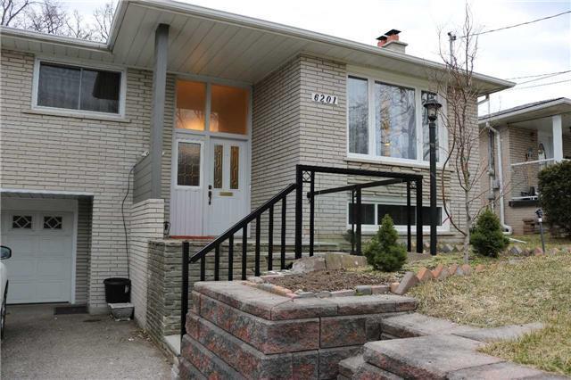 Detached at 6201 Kingston Rd, Toronto, Ontario. Image 4