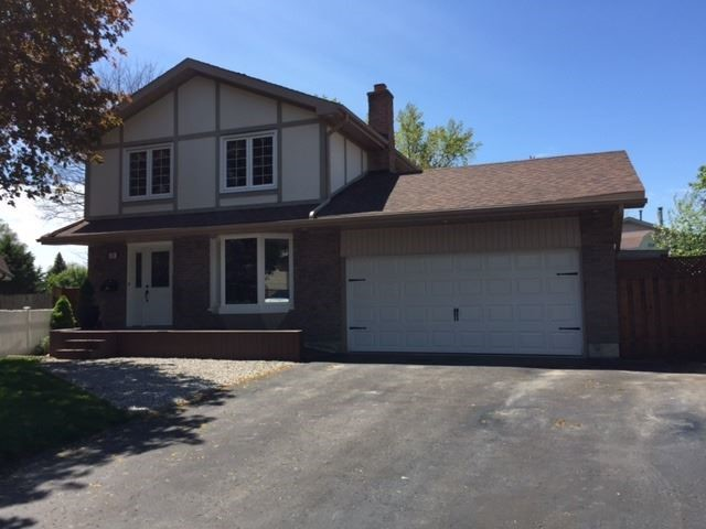 Detached at 26 Nordic Crt, Whitby, Ontario. Image 1