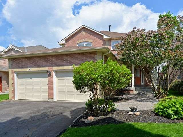 Detached at 6 Fawn Crt, Whitby, Ontario. Image 1