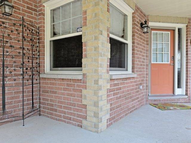 Detached at 6 Fawn Crt, Whitby, Ontario. Image 12