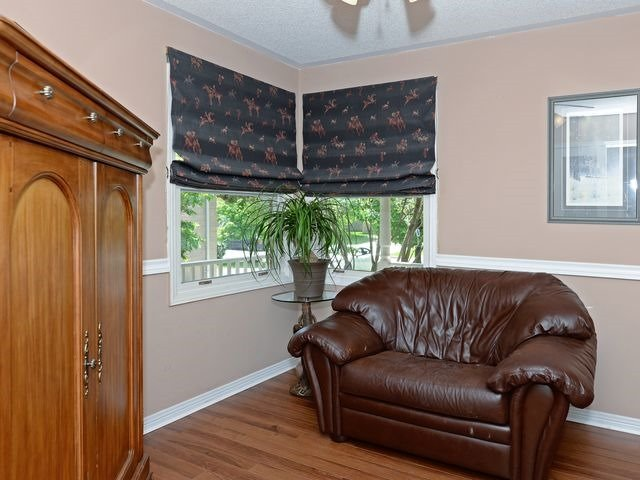 Detached at 6 Fawn Crt, Whitby, Ontario. Image 14