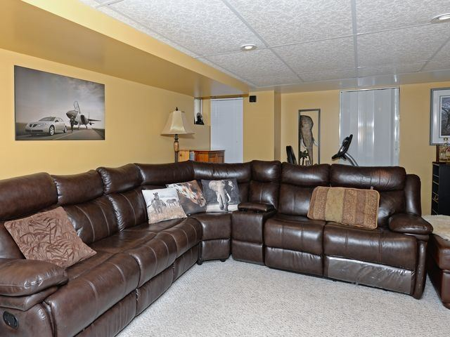 Detached at 6 Fawn Crt, Whitby, Ontario. Image 11