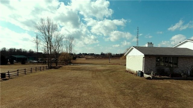 Detached at 5500 Enfield Rd, Clarington, Ontario. Image 3