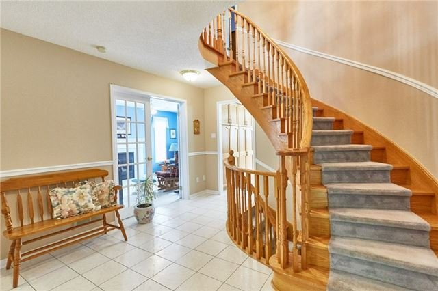 Detached at 5 Cork Dr, Whitby, Ontario. Image 14