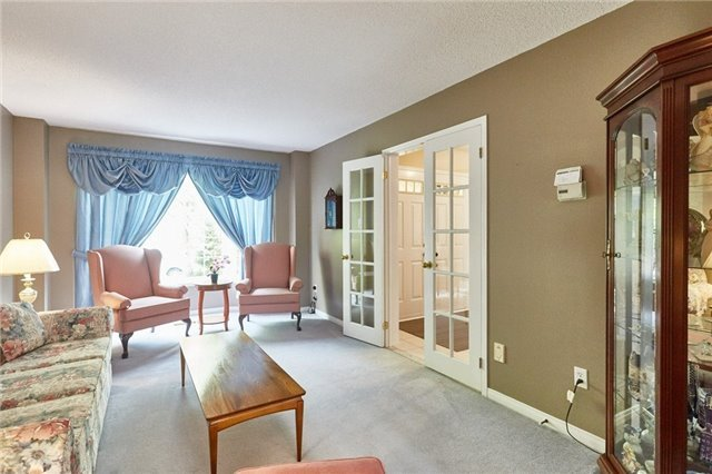 Detached at 5 Cork Dr, Whitby, Ontario. Image 15