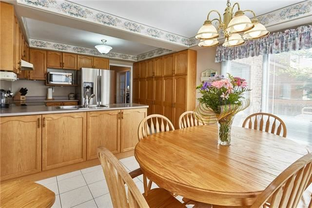 Detached at 5 Cork Dr, Whitby, Ontario. Image 3