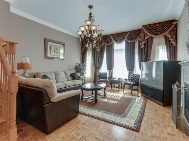 Detached at 1566 Garland Cres, Pickering, Ontario. Image 17