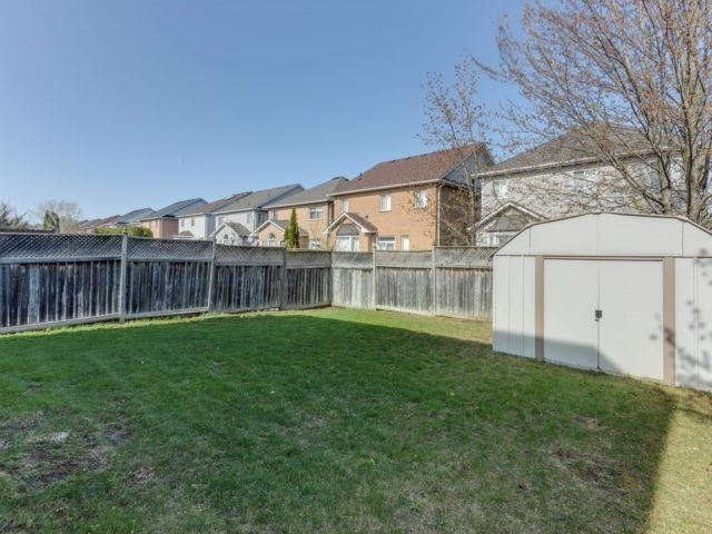 Detached at 1566 Garland Cres, Pickering, Ontario. Image 9