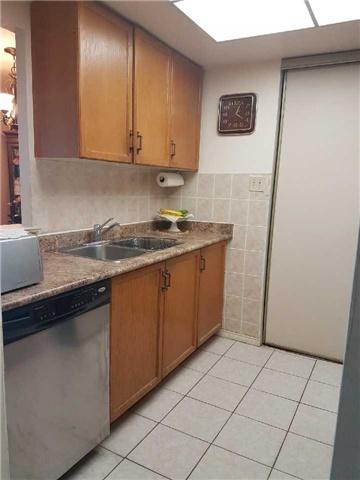 Condo Apartment at 3 Greystone Walk Dr, Unit 423, Toronto, Ontario. Image 12
