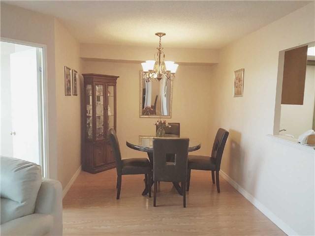 Condo Apartment at 3 Greystone Walk Dr, Unit 423, Toronto, Ontario. Image 15