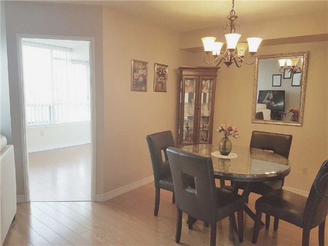 Condo Apartment at 3 Greystone Walk Dr, Unit 423, Toronto, Ontario. Image 17