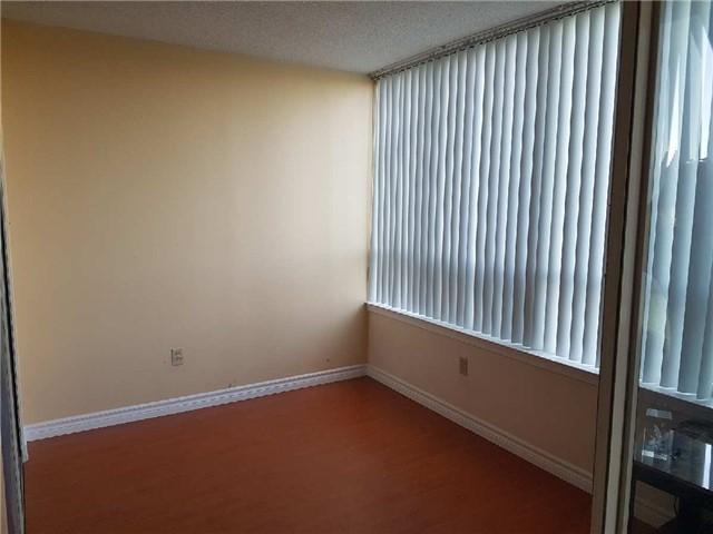 Condo Apartment at 3 Greystone Walk Dr, Unit 423, Toronto, Ontario. Image 5
