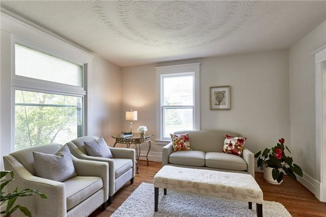 Detached at 125 Euclid St, Whitby, Ontario. Image 15