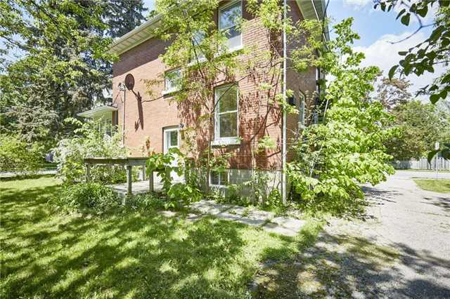Detached at 125 Euclid St, Whitby, Ontario. Image 11