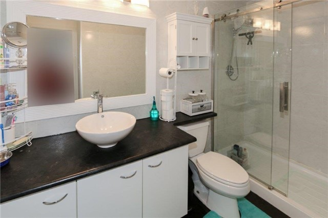 Condo Apartment at 195 Lake Driveway W, Unit 201, Ajax, Ontario. Image 10