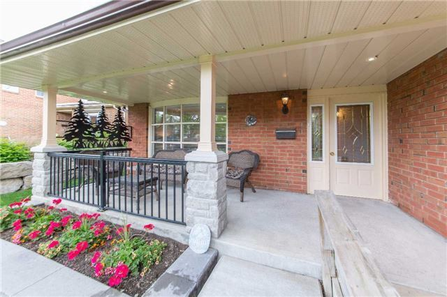 Detached at 97 Holliday Dr, Whitby, Ontario. Image 12
