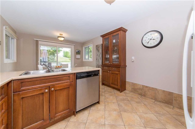 Detached at 97 Holliday Dr, Whitby, Ontario. Image 19
