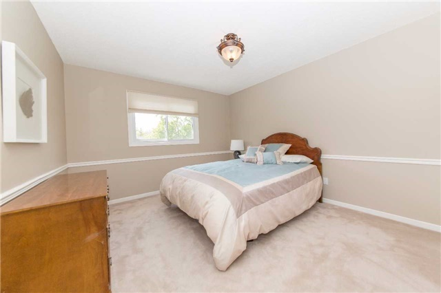 Detached at 97 Holliday Dr, Whitby, Ontario. Image 5