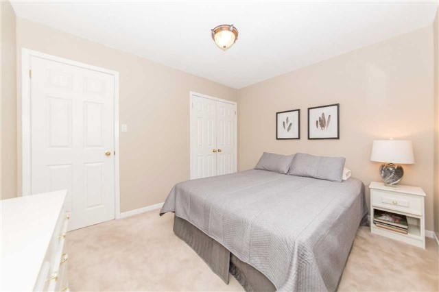 Detached at 97 Holliday Dr, Whitby, Ontario. Image 6