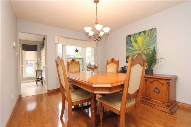 Detached at 1043 Riverview Cres, Pickering, Ontario. Image 11