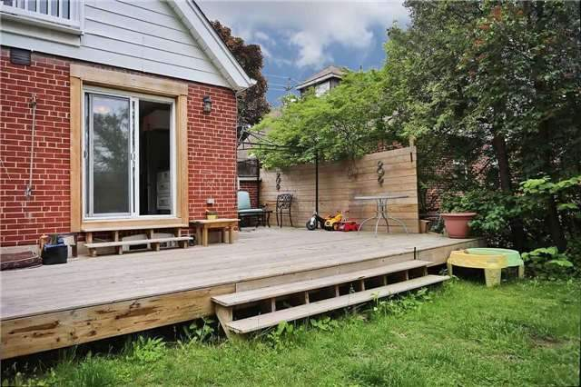Detached at 8 East Haven Dr, Toronto, Ontario. Image 3