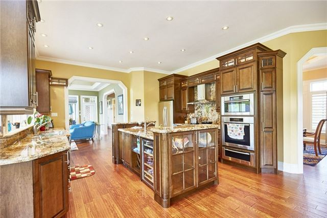 Detached at 3335 Hollywood Crt, Pickering, Ontario. Image 14