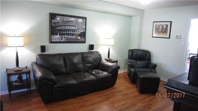 Townhouse at 924 Audley Rd S, Ajax, Ontario. Image 16
