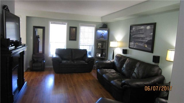 Townhouse at 924 Audley Rd S, Ajax, Ontario. Image 18