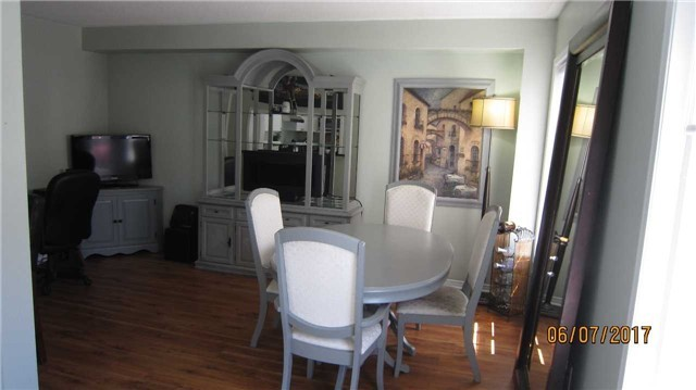 Townhouse at 924 Audley Rd S, Ajax, Ontario. Image 2