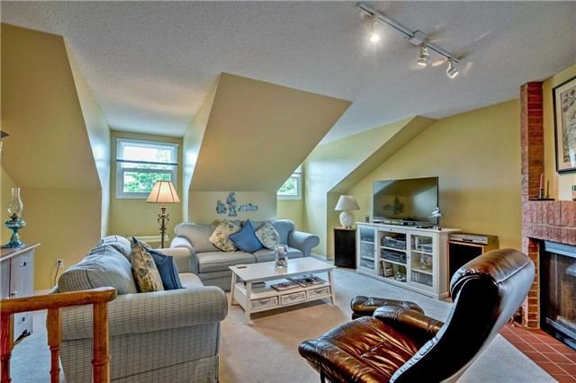 Detached at 1523 Eagleview Dr, Pickering, Ontario. Image 2