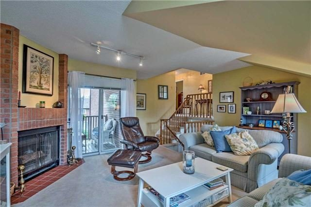 Detached at 1523 Eagleview Dr, Pickering, Ontario. Image 3