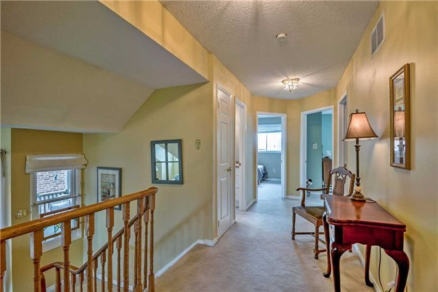 Detached at 1523 Eagleview Dr, Pickering, Ontario. Image 7