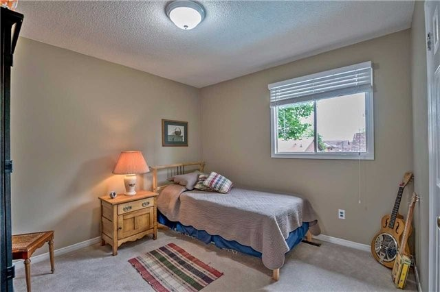 Detached at 1523 Eagleview Dr, Pickering, Ontario. Image 9