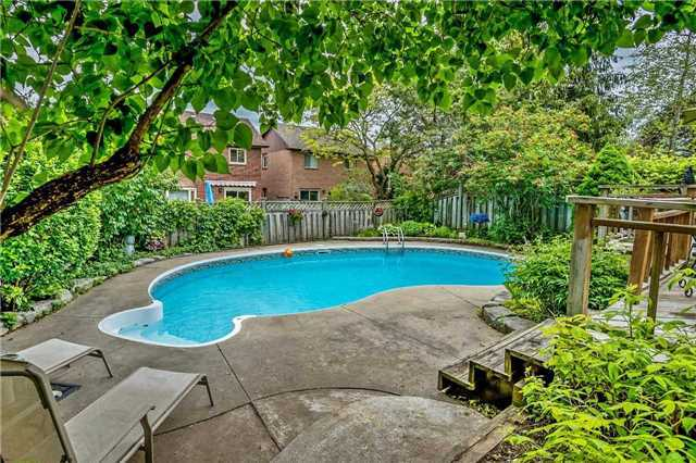 Detached at 1523 Eagleview Dr, Pickering, Ontario. Image 13