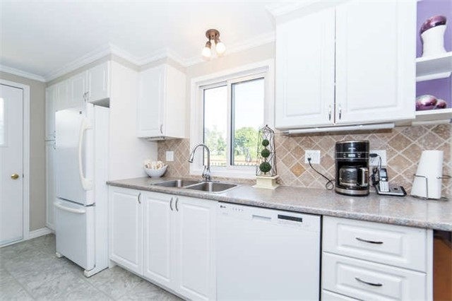 Detached at 88 Bluffs Rd, Clarington, Ontario. Image 2