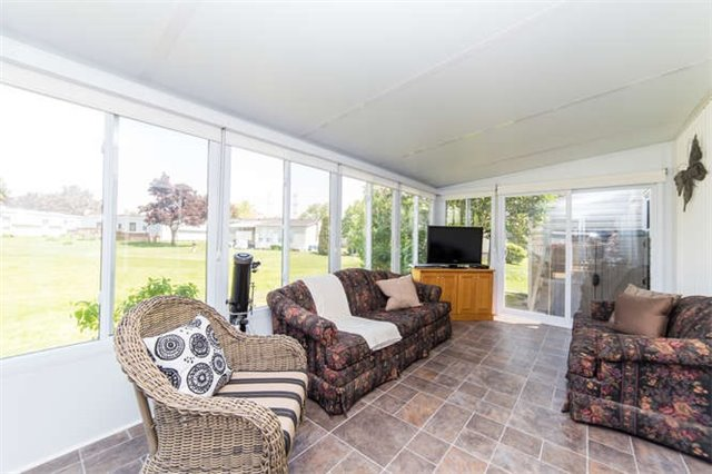Detached at 88 Bluffs Rd, Clarington, Ontario. Image 7
