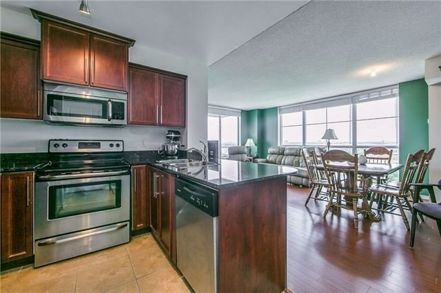 Condo Apartment at 6 Rosebank Dr, Unit 15L, Toronto, Ontario. Image 12