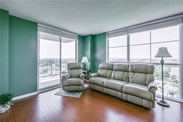 Condo Apartment at 6 Rosebank Dr, Unit 15L, Toronto, Ontario. Image 17