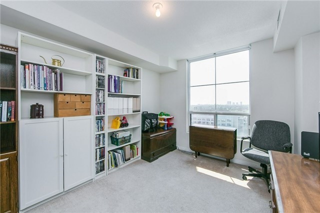 Condo Apartment at 6 Rosebank Dr, Unit 15L, Toronto, Ontario. Image 3