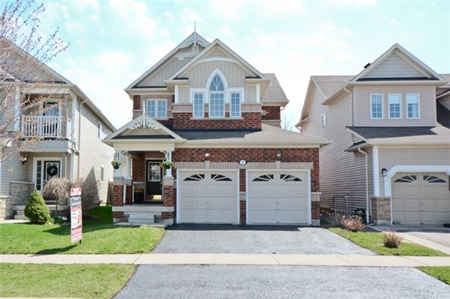 Detached at 9 Kenilworth Cres, Whitby, Ontario. Image 1