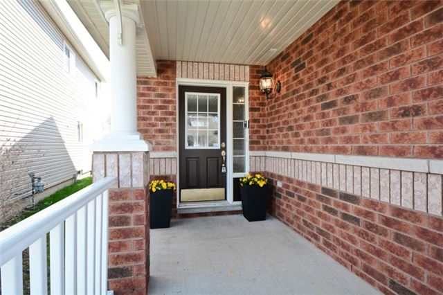 Detached at 9 Kenilworth Cres, Whitby, Ontario. Image 12