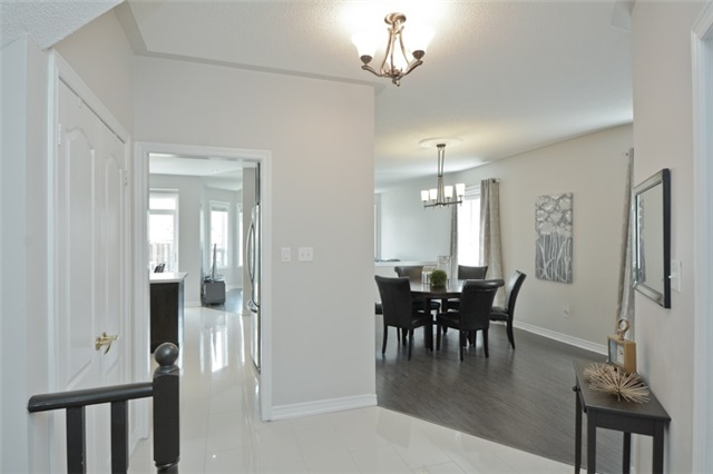 Detached at 9 Kenilworth Cres, Whitby, Ontario. Image 15