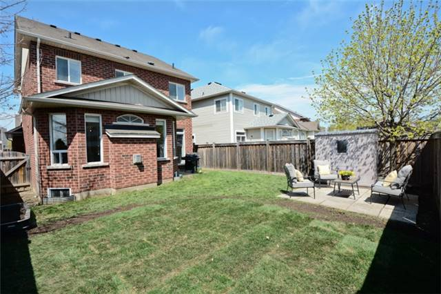 Detached at 9 Kenilworth Cres, Whitby, Ontario. Image 10